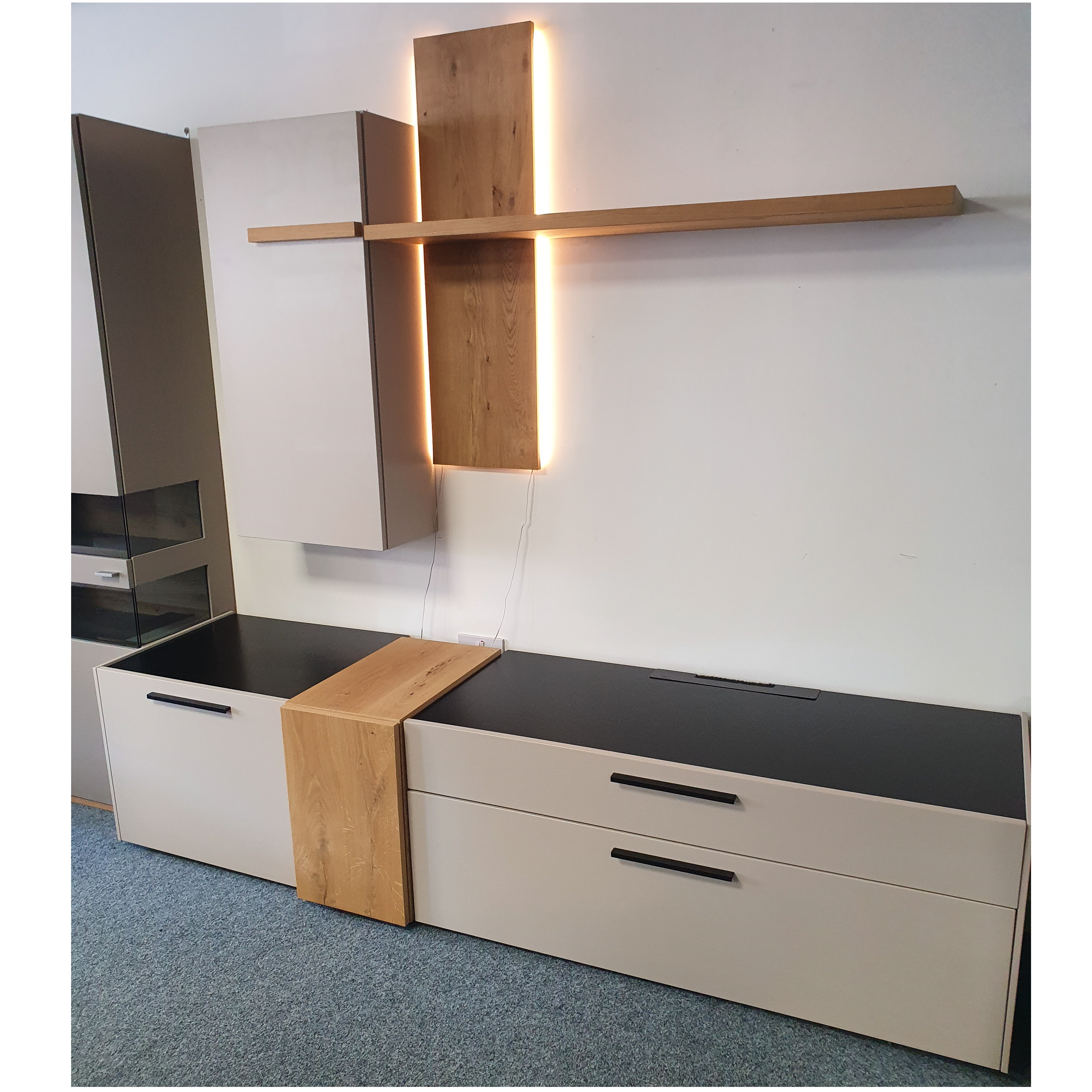 Blogg Display and TV Unit